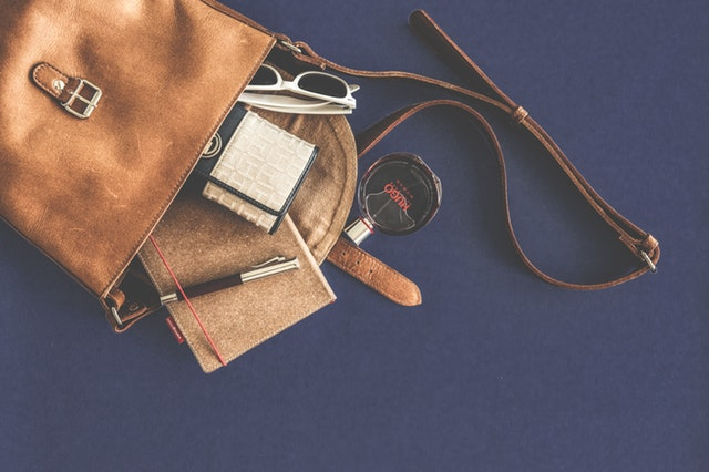 9 Things You Must Carry In Your Bag This Summer!